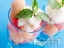 Рецепта Лесен десерт с плодове (диня и пъпеш) и сладолед ванилия